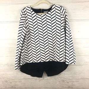 Pelione White Black Chevron 2 in 1 Long Sleeve Top